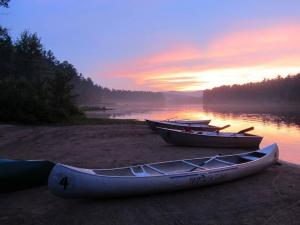 sunset-with-canoes